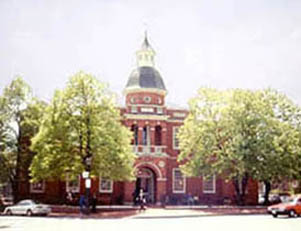 [color photograph of Anne Arundel County Courthouse]